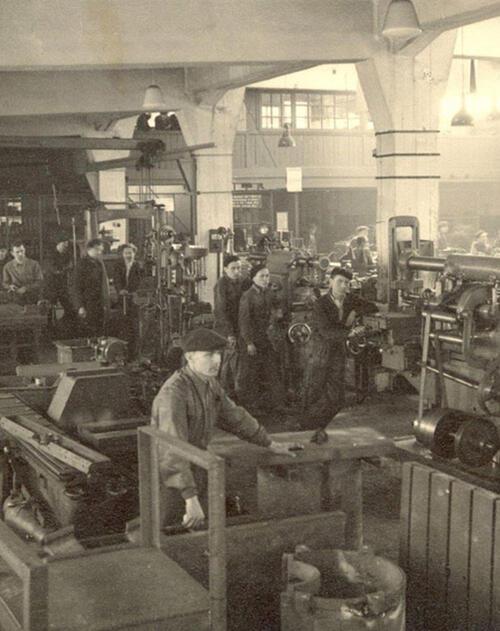 1965 - Pilana production